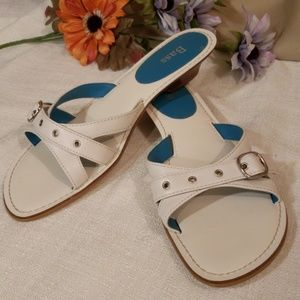 "NEW Bass White Leather ""Lara"" Sandal Buckle Top"